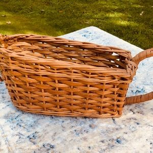 Vintage Accents - Wicker Boat Basket with Handle 🌼